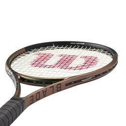Blade 98 18X20 V8 Tennis Racquet